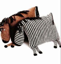 Caballito y cebra: dos almohadones divertidos | Crochet y dos agujas