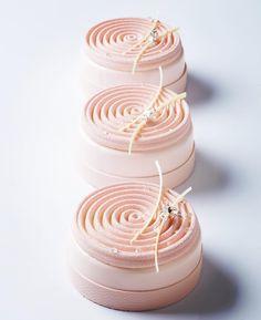 Dessert made of silicone mould: SILIKOMART PROFESSIONAL TOURNILLON