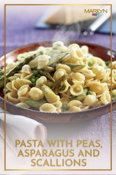 Cooked by both Lidia and Shahir, it's double chef-approved! Pasta With Peas, Asparagus, Macaroni And Cheese, Vegetarian Recipes, Dinner, Cooking, Ethnic Recipes, Ideas, Food