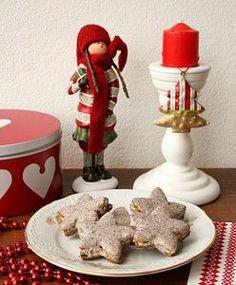 Kávové koláčky Christmas Sweets, Christmas Cookies, Candle Holders, Jar, Food, Decor, Xmas Cookies, Decoration, Christmas Crack