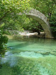 voidomatis river Epirus Wonderful Places, Beautiful Places, Beautiful Sites, Myconos, Old Bridges, Beau Site, Greece Travel, Greek Islands, Porches