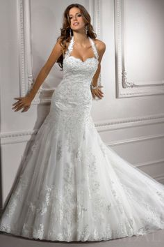 Chic Appliqued Halter Tulle Lace Wedding Dress with Beading