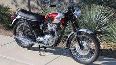 1969 Triumph Bonneville Restored by Kenny Dreer presented as lot at Las Vegas, NV 2015 - Triumph 650, Triumph Motorcycles, British Motorcycles, Vintage Motorcycles, Triumph Bonneville T120, Motorcycle Museum, Vintage Bikes, Vintage Auto, Easy Rider