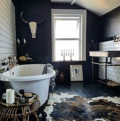 Monday Inspiration: Beautiful Rooms - Mad About The House - Oh my GOTH! lol This is way too skull-y and goth for current me (high school me would have loved it - Western Style, Style At Home, Western Bedroom Decor, Western Living Rooms, Western Bedrooms, Rustic Western Decor, Dark Bathrooms, Small Dark Bathroom, Western Homes