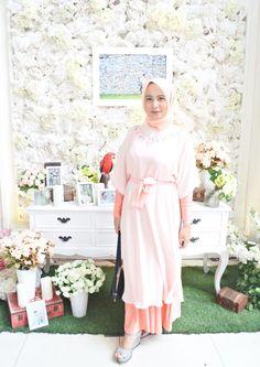 Bridesmaid, hijab, peach