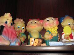 Резиновая девочка в синем комбинезоне. Советские игрушки - http://samoe-vazhnoe.blogspot.ru/