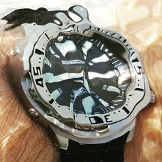 """Watch of the Day Fun with water effects At the pool with a Seiko """"Monster Tuna"""" from April 2017 # Mechanical Watch, Automatic Watch, Wristwatches, Vintage Watches, Seiko, Tuna, Omega, Rolex"""