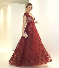 Layla Monteiro vestido Patricia Bonaldi longo bordado decote Amfar 2017 look completo