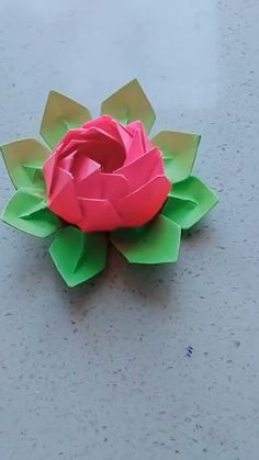 Today's Deals: New Deals. Cool Paper Crafts, Paper Flowers Craft, Flower Crafts, Origami Flowers, Instruções Origami, Paper Crafts Origami, Origami Videos, Origami Rose, Oragami