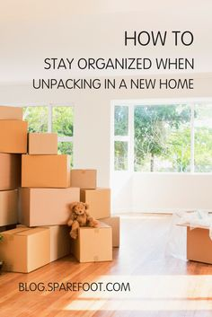 Keeping a home organized isn't easy, but moving to a new dwelling will give you a chance to start fresh, creating a well-ordered and clutter-free environment. Here are six tips for organizing your new home: Moving Home, Moving Day, Moving Tips, Moving Hacks, Clutter Organization, Home Organization Hacks, Organizing Ideas, Declutter Your Home, Organizing Your Home