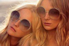 Voici les lunettes tendances du moment sur la croisette ! Louez-les sur www.placedelaloc.com et ne passez pas inaperçu au Festival de #Cannes  #consocollab