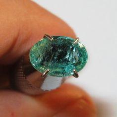 Natural Green Emerald 1.18 carat Mulus dan Bening