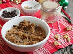 This Cinnamon Raisin Walnut Butter makes for a perfect holiday gift!
