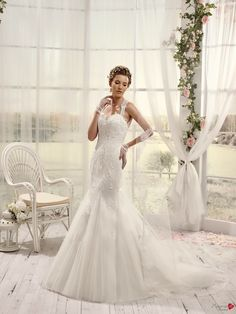 Robes de mariée Mademoiselle Amour, modèle Mlle Twill http://www.pronuptia.com/fr