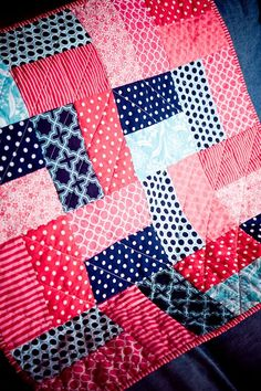 Need to make some of these up for Baby shower gifts.blues, greens, yellows and pinks Need to make some of these up for Baby shower gifts.blues, greens, yellows and pinks Quilt Baby, Colchas Quilt, Quilt Blocks, Jellyroll Quilts, Scrappy Quilts, Easy Quilts, Amish Quilts, Quilting Projects, Quilting Designs