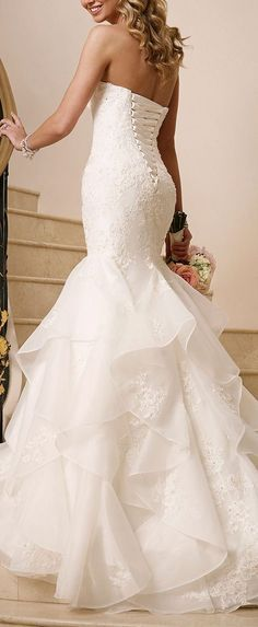 [tps_header]A beautiful mermaid wedding dress is a sexy choice for a bride looking to show off her figure on her wedding day. Mermaid wedding dresses come in lo Dream Wedding Dresses, Bridal Dresses, Wedding Gowns, Bridesmaid Dresses, Wedding 2017, Event Dresses, Wedding Ceremony, Mermaid Dresses, Mermaid Skirt