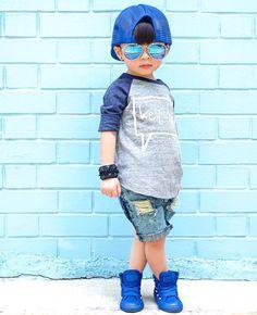 New Stylish Little boy attitude pic Collection Super pics small boy attitude pics Stylish Little Boys, Stylish Kids, Little Boy Fashion, Kids Fashion Boy, Toddler Swag, Baby Boy Swag, Dance Fashion, Men's Fashion, Cute Baby Videos