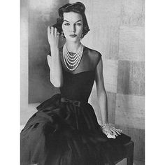 By Nina Leen, New York, 1953. So very, elegantly gorgeous. #vintage #fashion #1950s #pearls