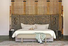 Joali Luxury beach villa with pool bedroom Large Bedroom, Cozy Bedroom, Dream Bedroom, Bedroom Decor, Bedroom Ideas, Contemporary Bedroom, Modern Bedroom, Rustic Contemporary, Style Marocain