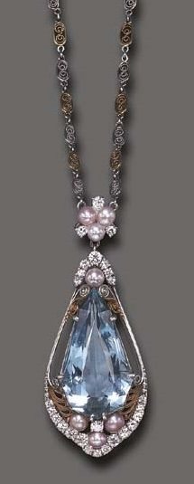 AN AQUAMARINE, FRESHWATER PEARL AND DIAMOND PENDANT NECKLACE, BY LOUIS COMFORT TIFFANY. Platinum and gold, circa 1915, signed Tiffany & Co.