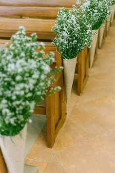 baby's breath church wedding aisle decoration ideas wedding flowers 18 Church Pew Ends Wedding Aisle Decoration Ideas to Love - EmmaLovesWeddings Wedding Church Aisle, Church Wedding Flowers, Aisle Flowers, Chapel Wedding, Flowers Garden, Rustic Church Wedding, Church Wedding Aisles, Church Pews, Church Weddings