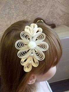 The headband is wide and is covered with satin ribbon. All ribbon ends have been heat-sealed – SkillOfKing. Ribbon Art, Diy Ribbon, Ribbon Crafts, Diy Hair Bows, Diy Bow, Flower Girl Headbands, Baby Headbands, 3d Quilling, Kanzashi Flowers