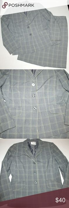 Collections for Le Suit LeSuit skirt & blazer suit Collections for Le Suit LeSuit skirt & blazer suit Excellent clean condition Fully lined Smoke free home great career wear Le Suit Jackets & Coats Blazers