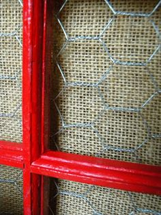 Window Frame with Burlap and Chicken Wire pane ideas with chicken wire Window Frame Crafts, Old Window Projects, Window Frames, Chicken Wire Crafts, Chicken Wire Frame, Old Window Screens, Screen Doors, Screened Porch Decorating, Collages