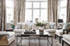 Sobert, mjukt och klassiskt hemma hos familjen Bergström, där konsten står för dramatik och kontrast. Läs mer i nr 12. Foto Jonas…