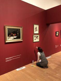 Η Τράπεζα της Ελλάδος γιορτάζει τα 90 χρόνια από την έναρξη λειτουργίας της με μια μεγάλη έκθεση στο Μουσείο Μπενάκη της οδού Πειραιώς. Για πρώτη φορά παρουσιάζονται στο κοινό 160 έργα Ελλήνων καλλιτεχνών από την πλούσια συλλογή της, που καλύπτουν μια διαδρομή από τις αρχές του 19ου αιώνα ώς τις μέρες μας.