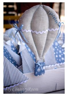 http://sweetbirdhouse.blogspot.gr/2012/02/barchette-e-mongolfiere-per-mare-e-per.html#