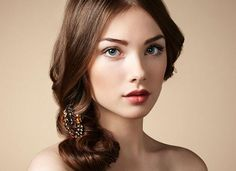 6 Easy and Stylish Retro Hairstyle Tutorials for Women