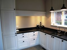 Landelijke keukens op maat | Diepeveen Keukens The Hamptons, Home Kitchens, Kitchen Cabinets, Inspiration, Home Decor, Houses, Kitchens, Home, Biblical Inspiration