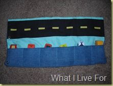 Busy Bag - Car mat Russell - I think we saw this somewhere before. I'm think I'm going to make 1 for Caleb. I should for Silas too. Fireman Party, Crayon Roll, Jean Crafts, Old Clothes, Busy Bags, Crafts For Kids To Make, Cute Cars, Niece And Nephew, Car Travel