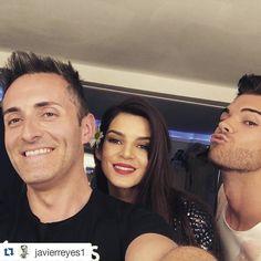 """#Repost de @javierreyes1 """"Gran día de #shooting el de ayer con @claralago1 #style @adrian.lorca #photographer  @rubenvega_. Después unos toques para el #estreno de la #película @kikipelicula #kiki de @pacoleon. http://ift.tt/1Gls1uz #makeup #hair #hairstyles #elreyes #javierreyes #claralago @princesaclaralago @claristass"""" en #EspacioHarley"""