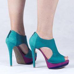 Ankle Boot Ziper Verde Ramarim R$189.90 (em até 10x) - Compre aqui http://www.footcompany.com.br/Ankle-Boot-Ziper-Verde-Ramarim-12-48205VERDE/p