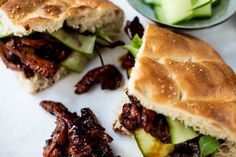 OhMyFoodness - Pagina 3 van 386 - Eat well Travel often Soy Chicken, Tuna Melts, Chicken Sandwich, Eating Well, Asian Recipes, Sandwiches, Slow Cooker, Spicy, Beef