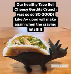 I recreated some healthy fast food inspired meals with my husband which all turned out to be calorie friendly and oh so delicious. We made a healthy cheesy gordita crunch from Taco Bell. Healthy Tacos, Fast Healthy Meals, My Favorite Food, Favorite Recipes, Fast Food Menu, Food Spot, Eating Fast, Fast Food Chains, Home Chef