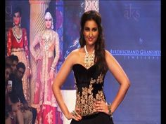 Parineeti Chopra walks the ramp @ IIJW Fashion Show Day 2.