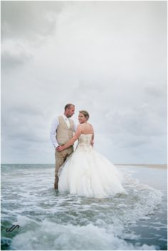 Why not make photos after your wedding. Do a little trash the dress in the ocean? These weddingpictures are made on the beach on Ameland. Make Photo, Ocean, World, Wedding Dresses, Beach, Photos, Fashion, Seeds, The World