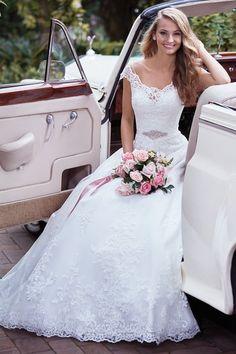 Designer Wedding Dresses, Bridal Dresses, Wedding Gowns, Bridesmaid Dresses, 2017 Wedding, Wedding Planner, Dresses Dresses, Tulle Wedding, Evening Dresses