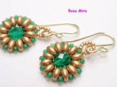 Con perlas y a lo loco...: Pendientes con flor de Twin beads en verde y dorado PE.0263