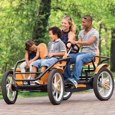 The Touring Quadracycle - Hammacher Schlemmer - This touring pedal-cycle has twin rear seats equipped with pedals that power its rear drive train and allows adults to steer from the backseat. Hammacher Schlemmer, E Quad, Quad Bike, Cargo Bike, How To Have Twins, Pedal Cars, Cool Inventions, Go Kart, Cool Bikes