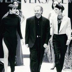 Linda Evangelista, Christy Turlington for Gianni Versace Couture 90's Runway Show