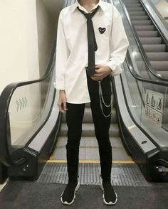 Edgy Outfits, Korean Outfits, Grunge Outfits, Cute Outfits, Fashion Outfits, Korean Fashion Men, Asian Fashion, Look Fashion, Mens Fashion