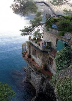Sea Side Home, Cinque Terre, Italy. Def want to see Cinque Terre someday! Places Around The World, The Places Youll Go, Places To See, Places To Travel, Around The Worlds, Travel Destinations, Dream Vacations, Vacation Spots, Italy Vacation