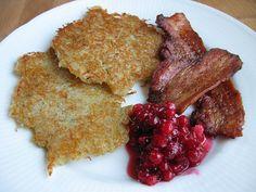 Raggmunkar/Swedish-style potato pancakes