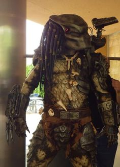 Learn more on how to make this predator replica costume from instructables.