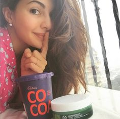 4 Bollywood beauty selfies we love Indian Bollywood Actress, Beautiful Bollywood Actress, Beautiful Actresses, Indian Actresses, Jacquline Fernandez, Image Fb, Dps For Girls, Hindi Actress, Selfie Poses