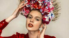 Romana vyrábala veniec pre víťazku inšpirovanú kultúrou Martviec 25 hodín.   Nový Čas Crown, Country, Fashion, Moda, Corona, Rural Area, Fashion Styles, Country Music, Fashion Illustrations